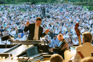Michael Feinstein POPS conductor
